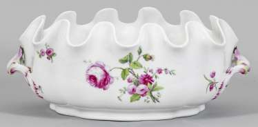 Great glasses cooler with floral decor