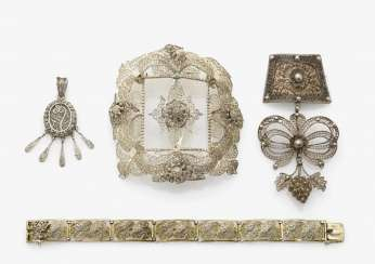 Clasp for Träumles chain, hat buckle, medallion and bracelet, South German, 1st half of the 19th century and 1st half of the 20th century
