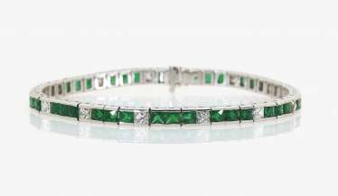 Rivièrearmband with emeralds and diamonds. Germany, 1990s-2000s