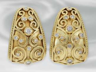 Earrings: decorative and intricately designed earrings with brilliant-cut diamonds, approx 0.5 ct, 18K yellow gold, probably unique