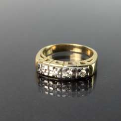Diamond Ring, four diamonds in a row, yellow gold and white gold 585, high quality work, very good conservation.