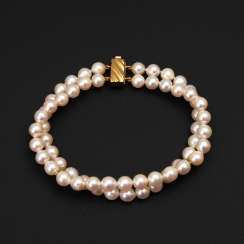 2-row cultured pearl bracelet with Ziers