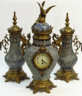 Watch with a pair of vases 19th century