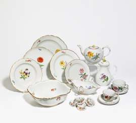 Food, coffee and tea service with floral decoration