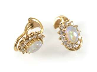 Opal and diamond clip earrings, 750Gg,