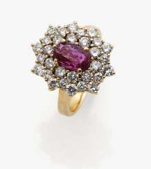 Entourage ring with a ruby and diamonds