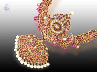 Necklace/Collier: very high quality, antique Indian wedding jewelry set with the finest Burmese rubies, diamonds and emeralds, Makara Kanti, Tamil Nadu, CA. 1900-1930, including gemmologischem opinion