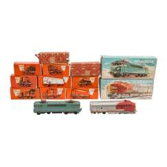 MÄRKLIN mixed lot of locomotives and freight cars, track, H 0,