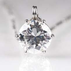 High-profile solitaire pendant with chain