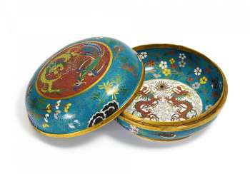 Round lidded box with Phoenix, dragon and double happiness