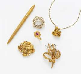 Collection: Ring, pendant, chain, ball pen and three brooches