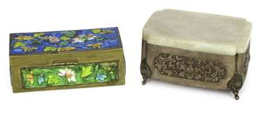 Silver cover box with Jadedeckel and metal box with enamel decoration