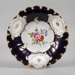Meissen sumptuous dish, with a blue rear