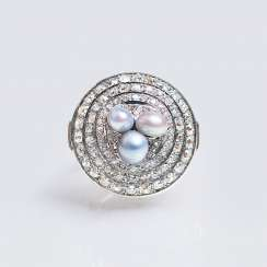 Art Deco diamond ring with pearls