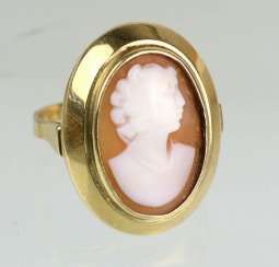 Cameo ring yellow gold 585