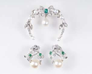 Diamond-pearl-brooch with matching Pair of clip earrings