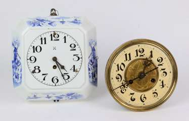 Delft blue kitchen clock, among other things,