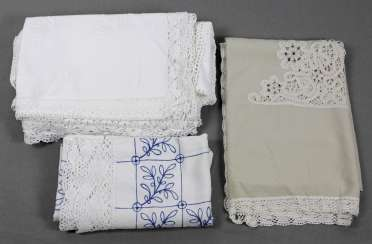 Table linen with bobbin lace, etc
