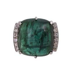 Ring with a large tourmaline Cabochon