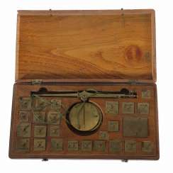 Coin scales in wooden box 19. Century