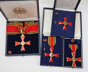Collection Of The Federal Order Of Merit.