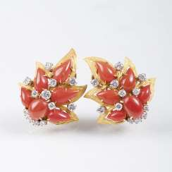 Pair of Vintage coral and diamond ear clips, gegründet1884, Rome