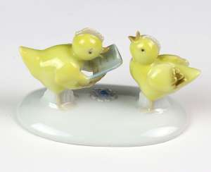 singing chick couple