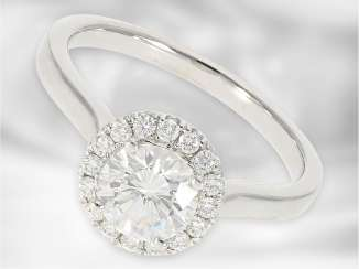 Ring: high-quality decorative diamond ring with one carat of approx 1,08 ct, 14K white gold