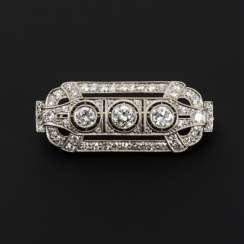 Art Deco brooch with old European cut diamonds and diamonds