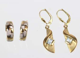 2 Pair Of Earrings - Yellow Gold 333
