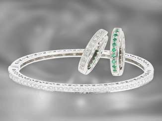 Bangle / earrings: high-quality jewelry set with diamonds and emeralds, a total of approx. 1.42 ct, 18K white gold