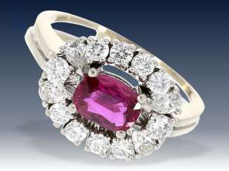 Ring: very beautiful, white Golden vintage ruby/diamond ring 18K white gold