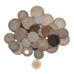 Mixed lot of coins, also some gold -