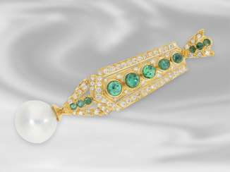 Pendant: highly fine and very nicely preserved emerald/diamond pendant with large South sea pearl, crafted from 18K Gold