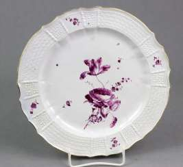 Highly museum-quality plate around 1750
