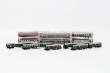 FLEISCHMANN PICCOLO eleven persons & Luggage N gauge wagons,