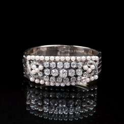 Top-class bangle with old European cut diamonds and pearls