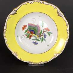 Institutional / Wall Plate: Porcelain Adorns. Chinese butterfly / Chinese painting, Gold equipped. very good.