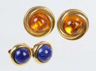 2 Pairs Of Stud Earrings - Yellow Gold 333/375