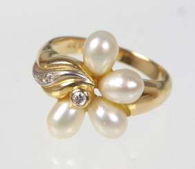 Pearl Ring with diamonds - yellow gold 585