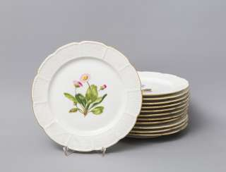 NYMPHENBURG set of 12 plates 'flower paintings', 20 .Century.