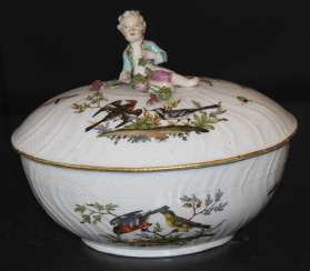 The tureen. Meissen, late 18th century