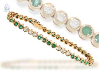 Bracelet: decorative, hand-crafted vintage tennis bracelet with emerald - and brilliant-trim, approx. 4ct, new-old-stock, with label, NP 9800,-DM