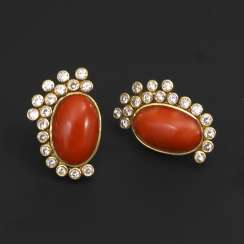 Large stud earrings pair with coral and brilliants 585 gold 19.7 g