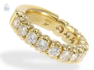 Ring: sound, of extremely high quality, brilliant Semi-Eternity Ring, crafted from 18K Gold, 2,12 ct brilliant-cut diamonds, gold and silver price lt. The previous owner approx. 6.500€