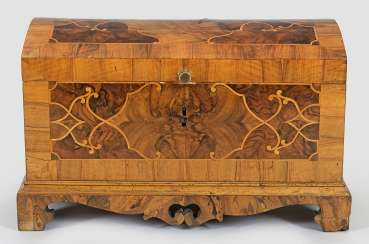 Rare small Baroque-around lid of chest