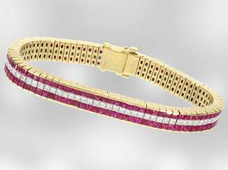 Bracelet: high Karat yellow gold bracelet complete with fine rubies and diamonds, total approx. 10,43 ct, 18K yellow gold, the court jeweller and Roesner, probably around 1970