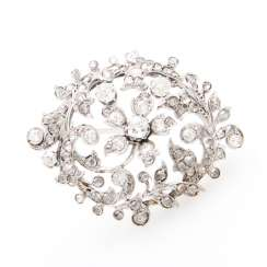 Brooch in floral Form of bes. m. old European cut diamond & rose cut diamonds, together approx 1.2 ct.