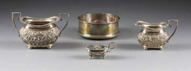CREAMER, SUGAR BOWL, CONDIMENT BOWL WITH SPOON AND ROUND BOWL