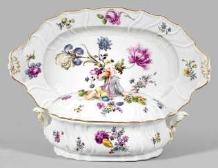 Lid tureen with Presentoir